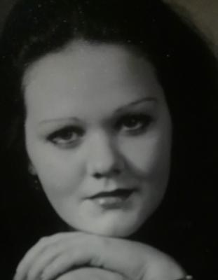 Женщина возрасте ищет мужчину на час в калуге, лесби с большими сиськами нина мерседес лиза энн